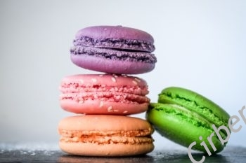 French color macarons